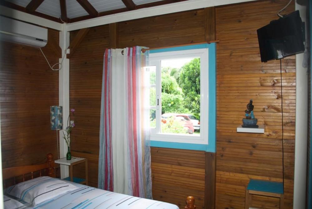 chambre du gîte corossol prévue pour un couple