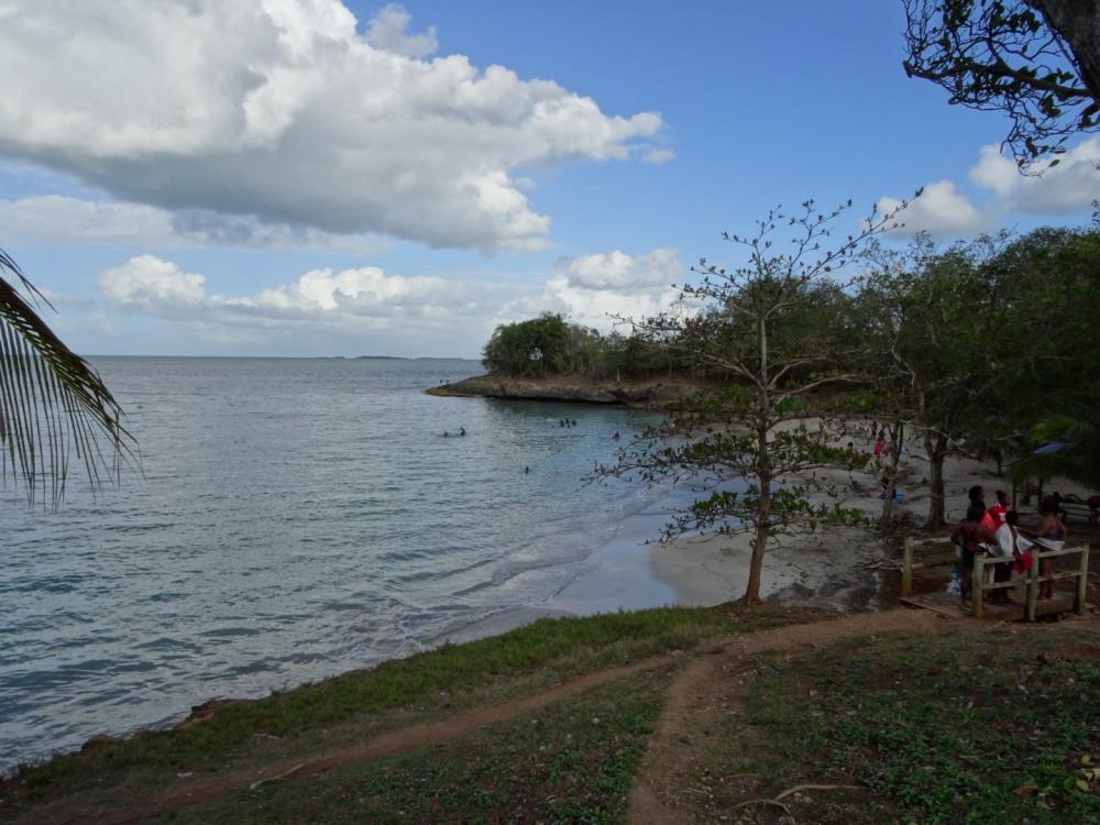 plage de menbia (st-rose)