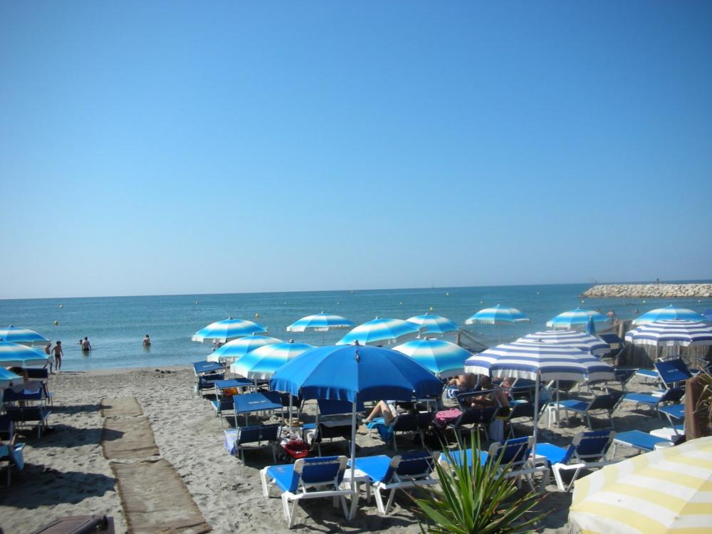 Une des nombreuses plages alentours