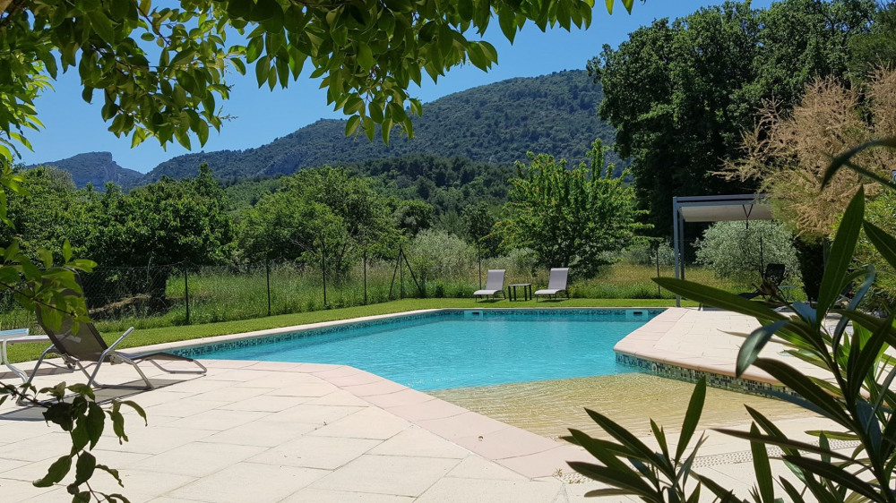 Holiday rentals Maubec - House - 6 persons - BBQ - Photo N° 1