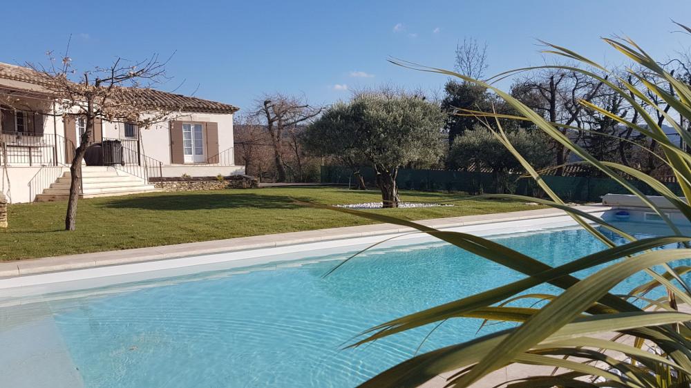 Villa 180m²position dominante avec vue pour 6 personnes piscine privée