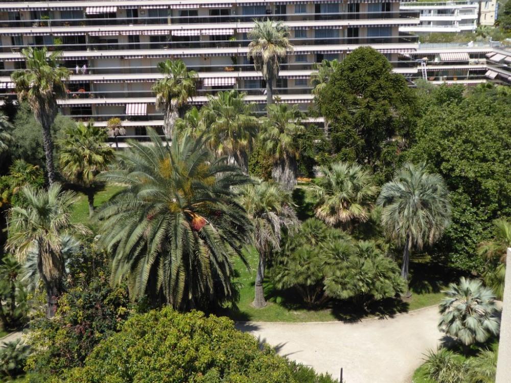 Jardin PAULINE face à l'immeuble