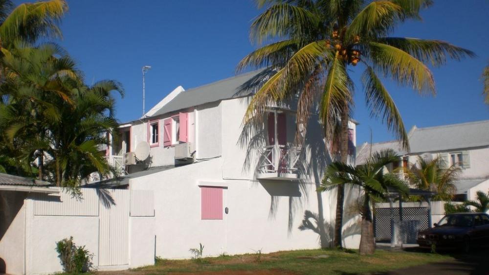 maison créole 156 m2 piscine partagée Océan à deux pas
