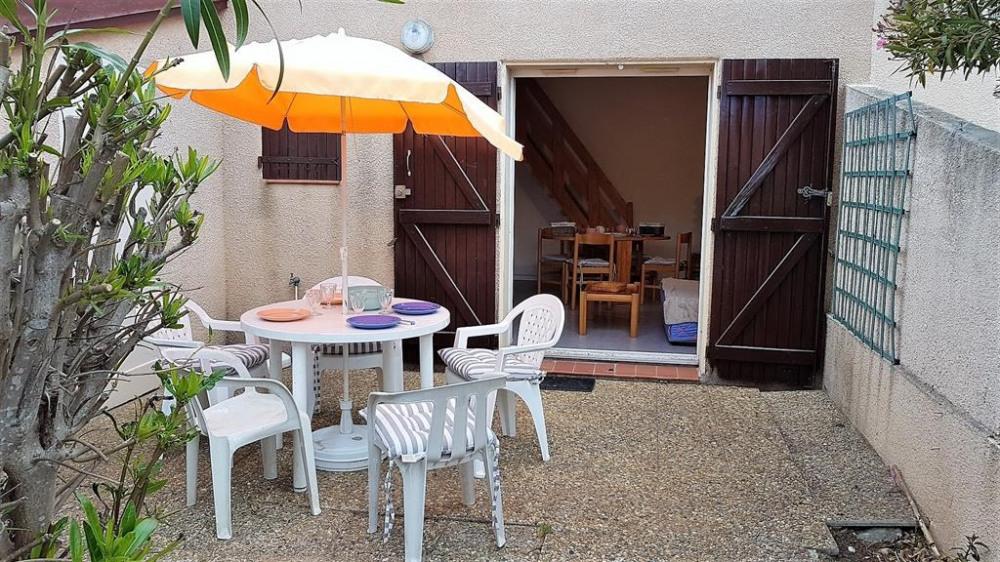 Terrasse salon extérieur accès au salon