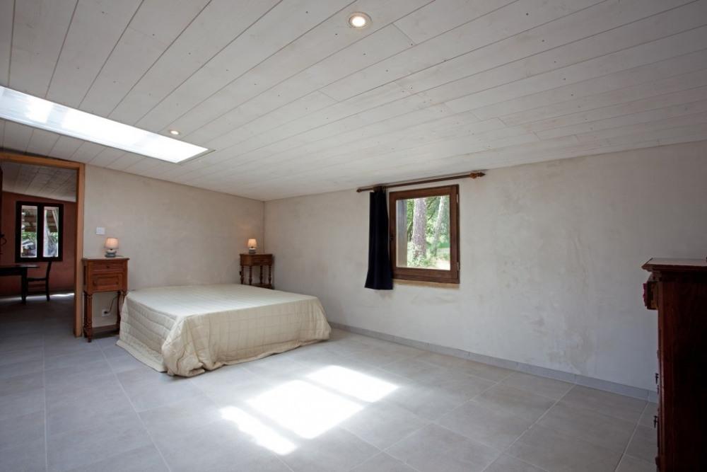 chambre donnant au Nord, lit de 160cm