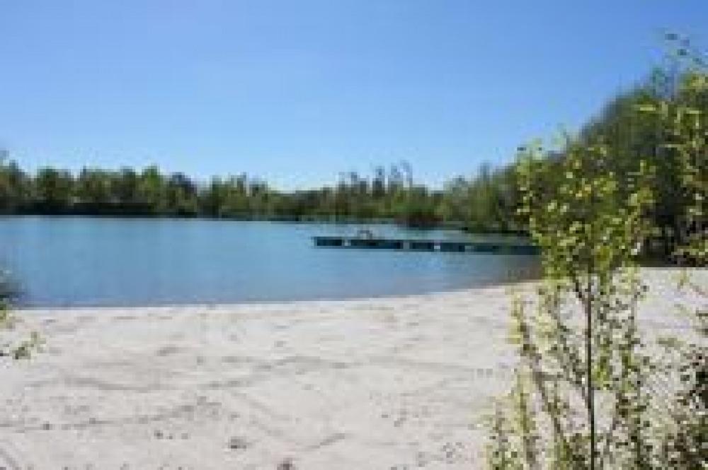Le lac et sa plage