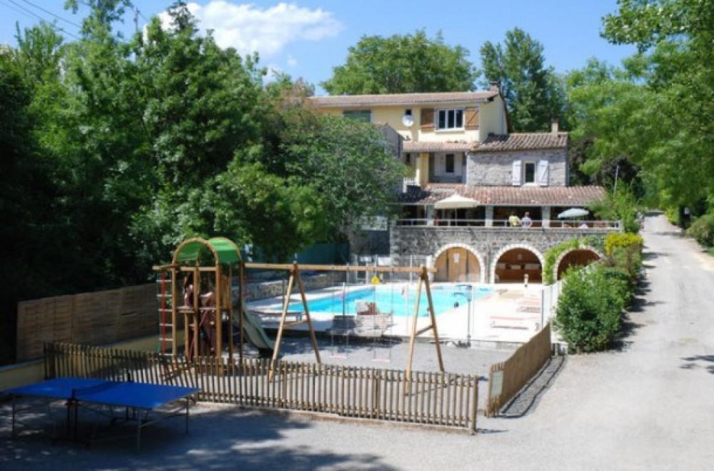 Camping les Rives d'Auzon  3* - Mobil-home 6 personnes - 2 chambres (entre 11 et 15 ans) (Max. ad...