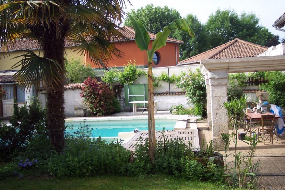 le jardin la piscine