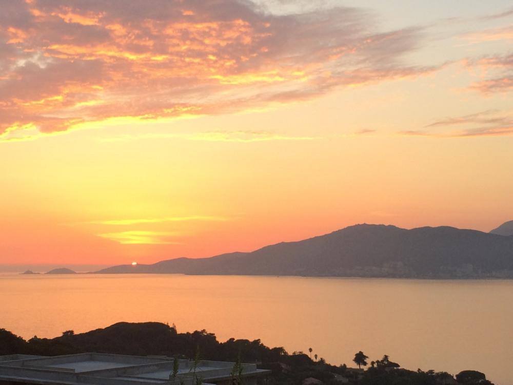 La vue au coucher du soleil, en septembre