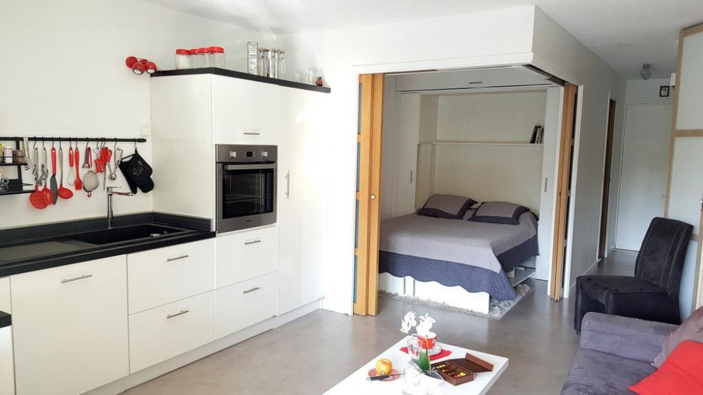 Studio in standing residence for 3 people