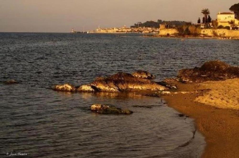 La petite plage de la Moune