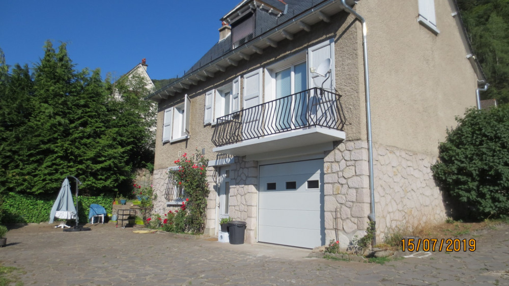 Holiday rentals Vic-sur-Cère - House - 6 persons - BBQ - Photo N° 1