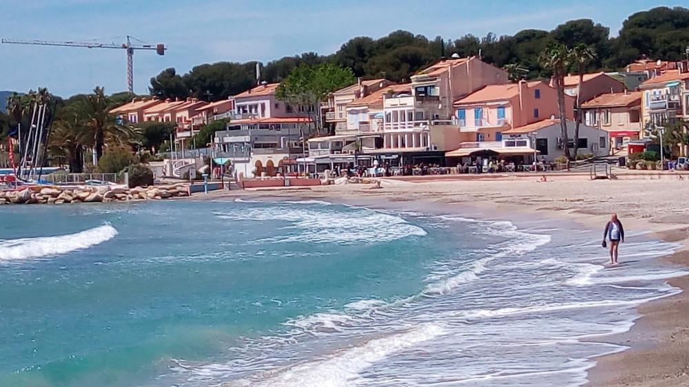 Location vacances Saint-Cyr-sur-Mer -  Appartement - 5 personnes - Télévision - Photo N° 1