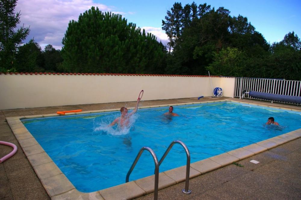 """La piscine """"en activité"""""""
