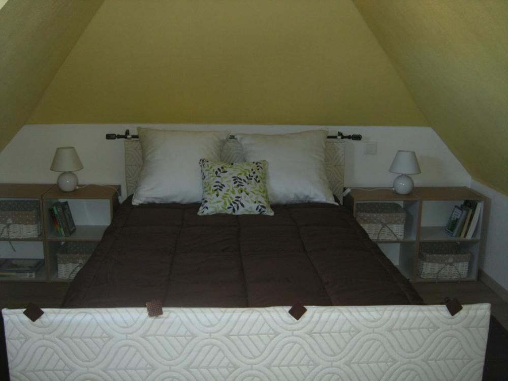 chambre à l'étage ( lit 120)