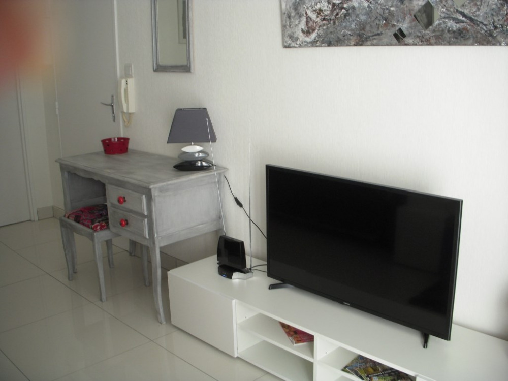 appartement thionville pour 2 personnes 29m2 90689454 seloger vacances. Black Bedroom Furniture Sets. Home Design Ideas