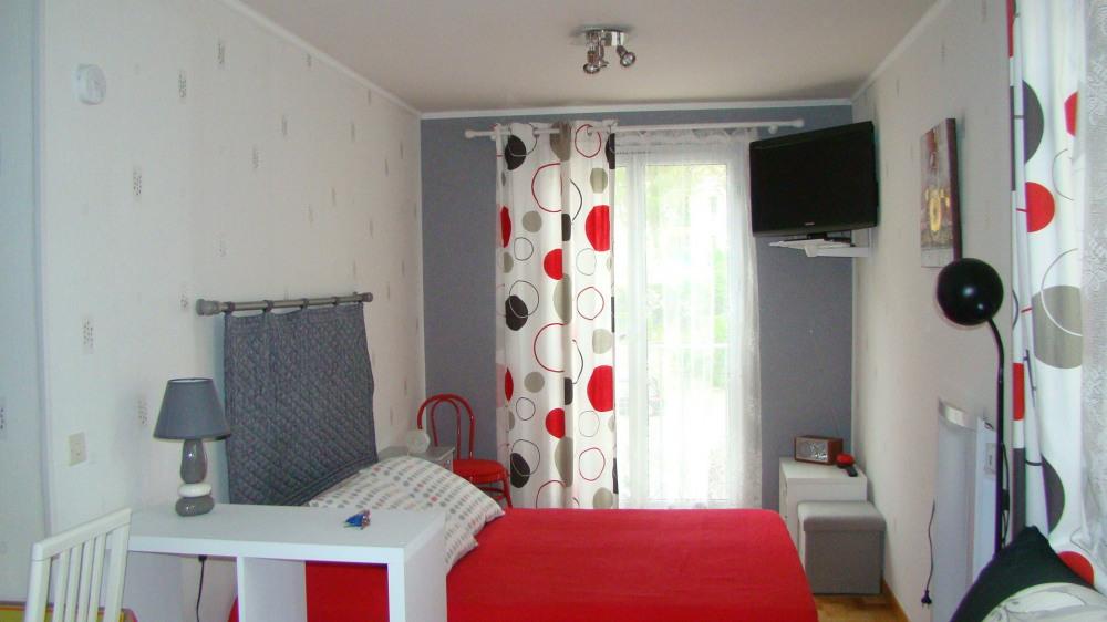 Joli studio pour vacanciers et curistes .