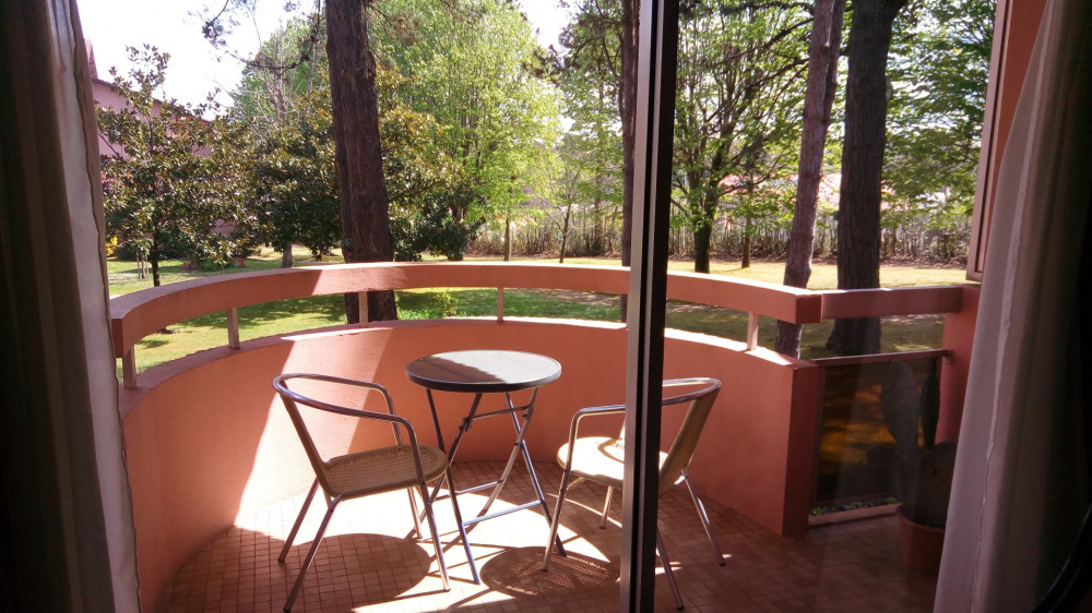 Location vacances Biarritz -  Appartement - 3 personnes - Salon de jardin - Photo N° 1