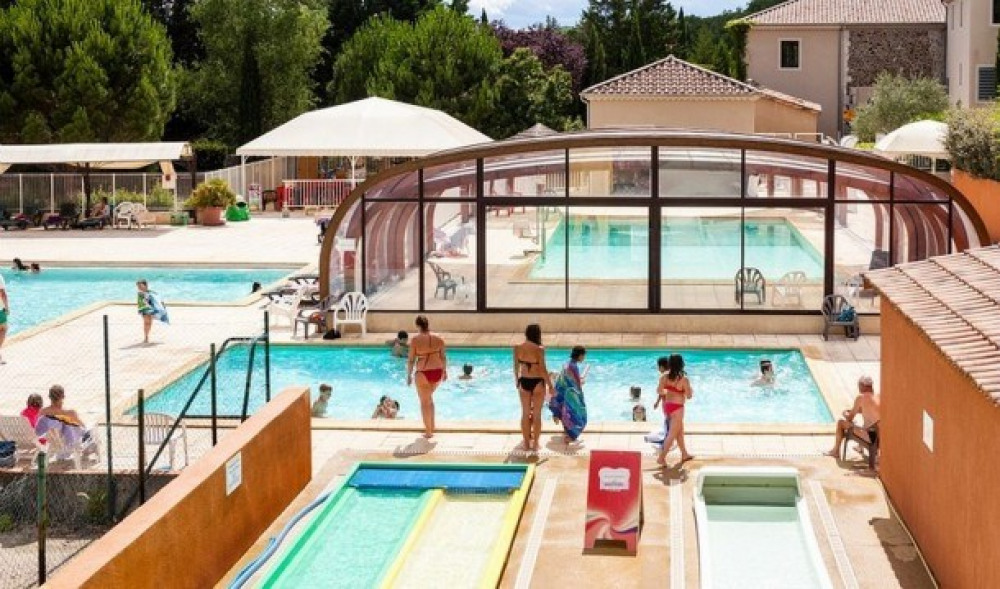 Camping Domaine du Cros d'Auzon 4* - Mobil-home Confort - 2 chambres - 5/6 personnes