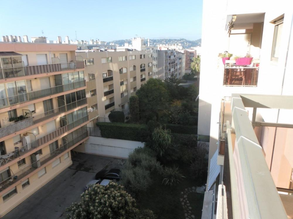 vue extérieure depuis la terrasse