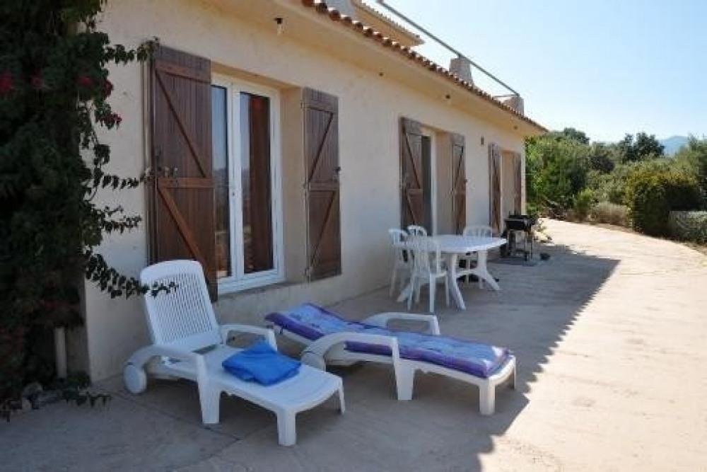 Appartement de charme avec térrasse et vue exceptionnelle, à 800m de la plage à PINARELLO EN CORSE