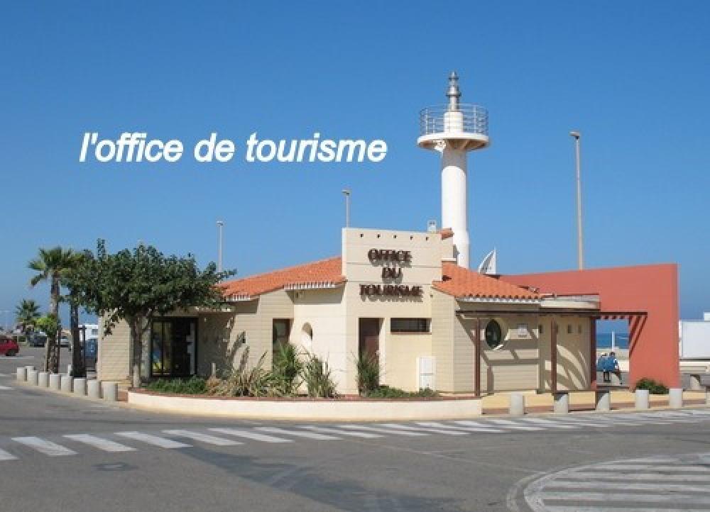 l'office de tourisme, place du village.