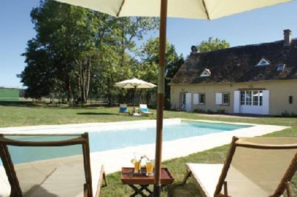 La maison côté piscine