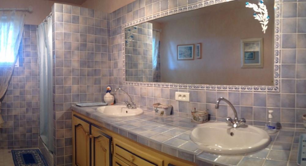Salle d'eau Bas 2 vasques et Douche