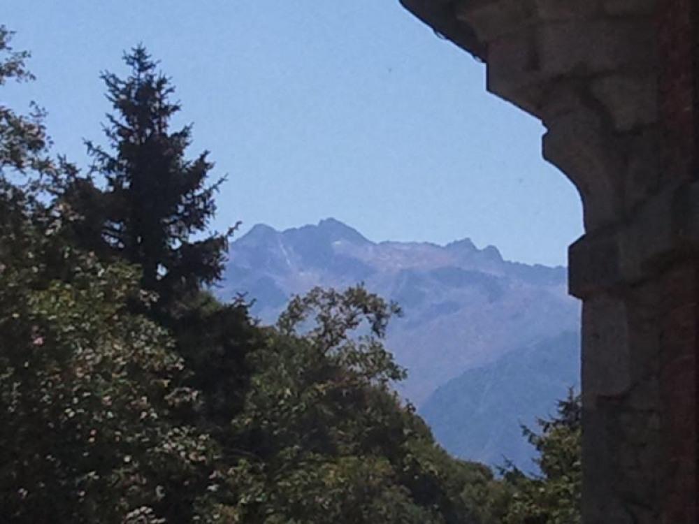 vue du balcon vers la droite au dessus