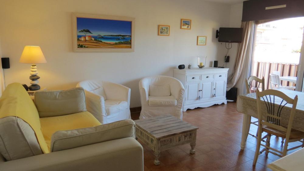 Location vacances Sainte-Maxime -  Appartement - 6 personnes - Salon de jardin - Photo N° 1