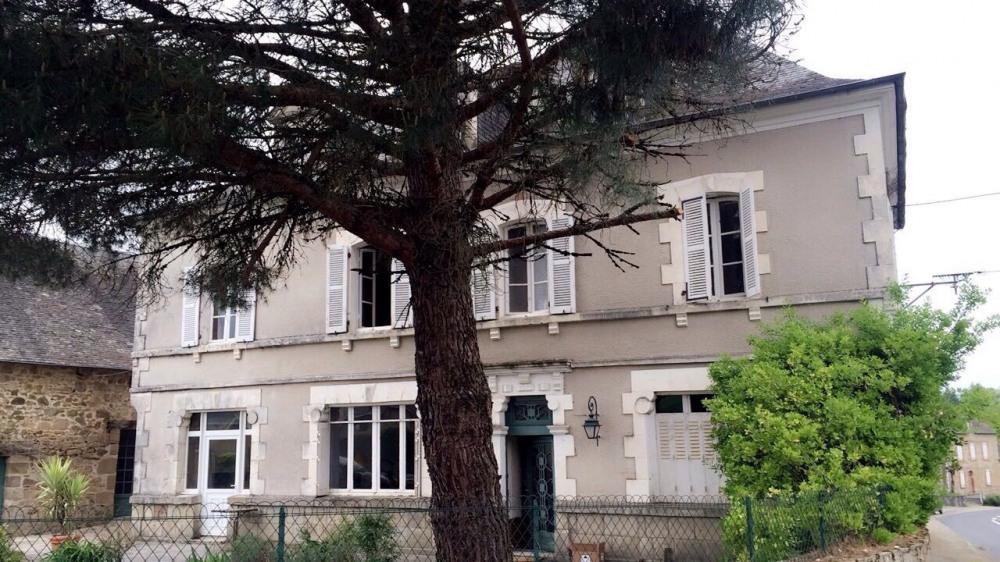 Location vacances Saint-Germain-les-Vergnes -  Chambre d'hôtes - 9 personnes - Chaise longue - Photo N° 1