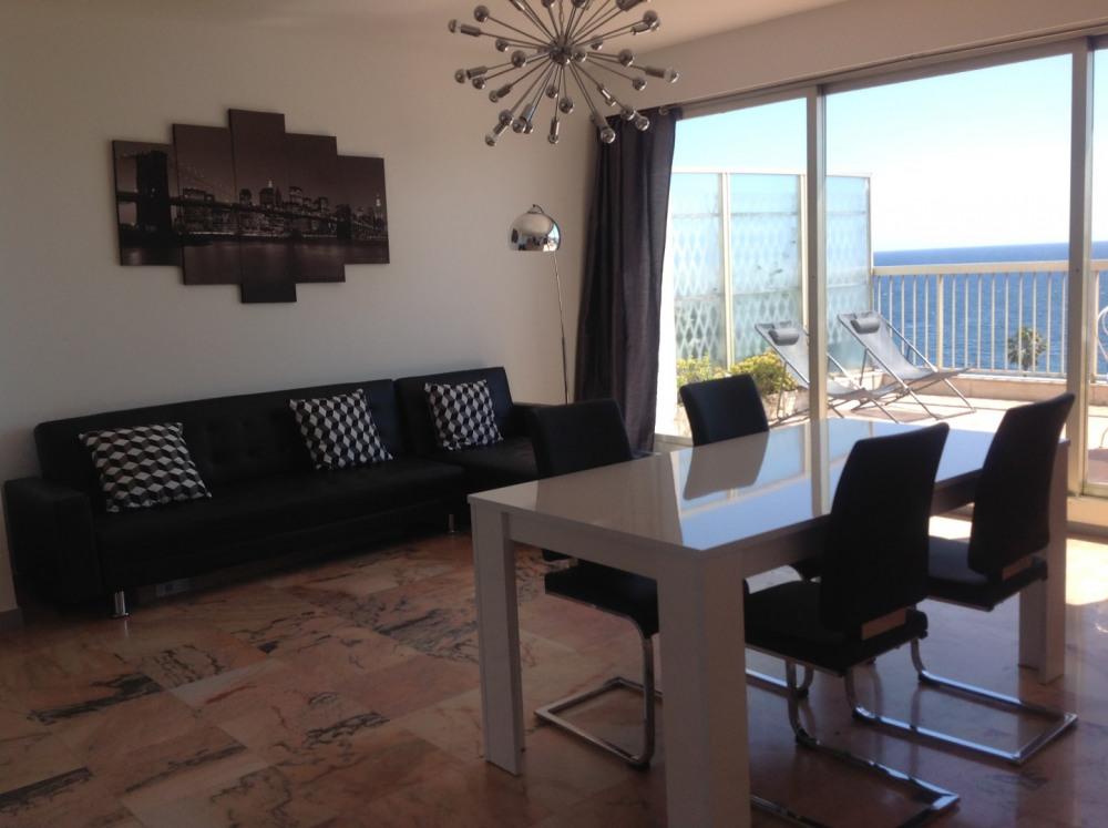 living-room donnant sur la terrasse