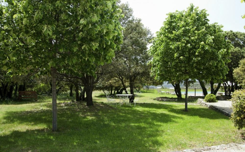 Mas Augusta, grand et joli jardin