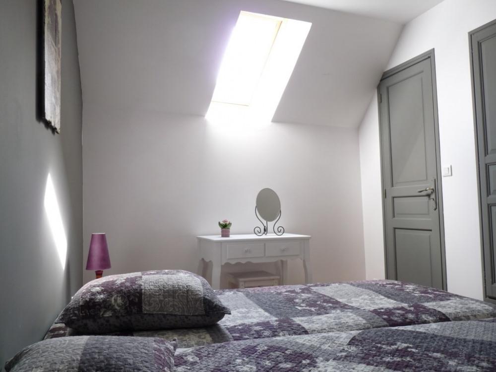 Chambre 2 avec 3 lits 90 cm