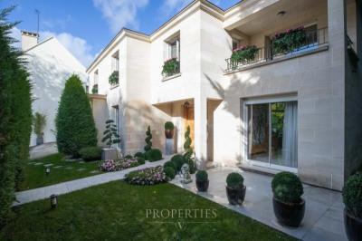 PROPERTIES-V : Agence immobilière à 7 rue Saulpic 94300 ...