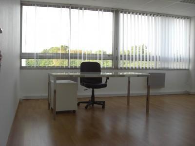location bureau ris orangis 91130 bureau ris orangis de 32 m ref 406334. Black Bedroom Furniture Sets. Home Design Ideas