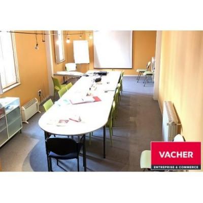 location bureau bordeaux 33000 bureau bordeaux de 320 m ref 8220 gm33. Black Bedroom Furniture Sets. Home Design Ideas