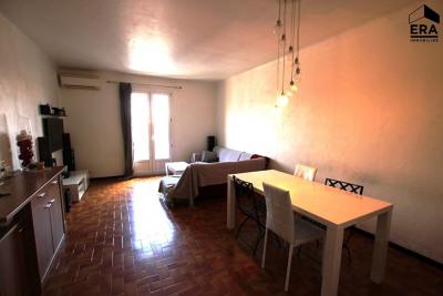 Appartement T 4 de 79.2 m 2 Saint Mitre les Remparts