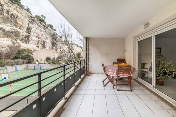 Appartement (3 pièces) à Marseille 6ème (13006) - 950 € /mois - - Marseille 6ème (13006)-6