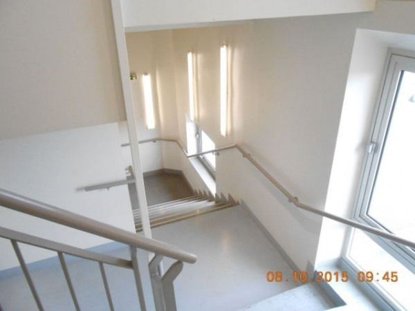 Location Local commercial Melun 0