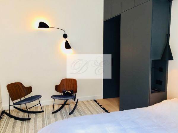 Location Appartement Paris rue de la Trémoille - 92m² - Paris 8ème (75008)-4