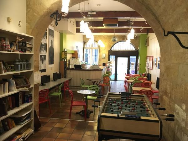 Bordeaux Porte Cailhau – Local commercial 76 m² - Bordeaux (33000)-1