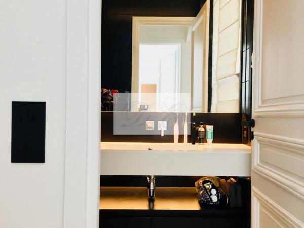 Location Appartement Paris rue de la Trémoille - 92m² - Paris 8ème (75008)-3