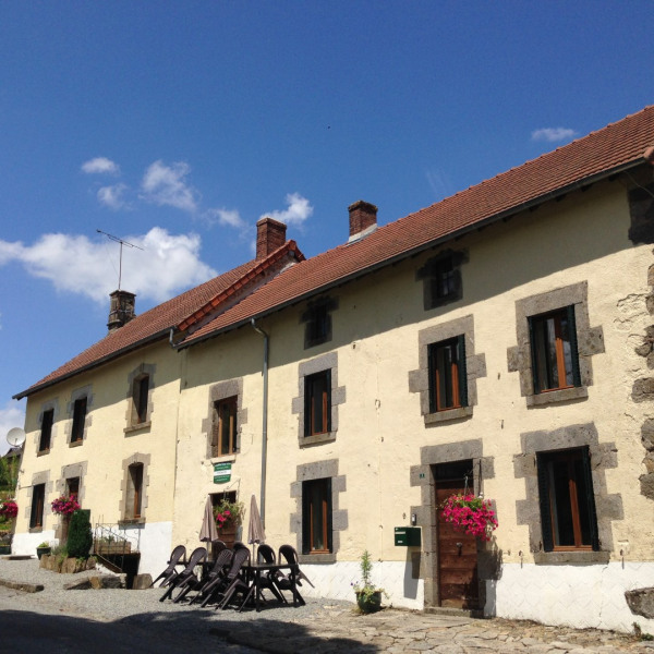 Location vacances Janaillat -  Maison - 12 personnes - Barbecue - Photo N° 1