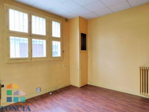 vente local commercial lourdes 65100 local commercial lourdes de 65 m ref 1182074. Black Bedroom Furniture Sets. Home Design Ideas