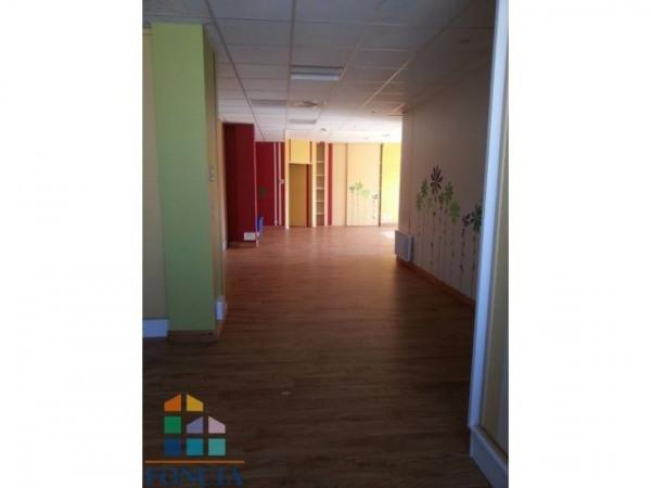 vente bureau poitiers 86000 bureau poitiers de 128. Black Bedroom Furniture Sets. Home Design Ideas