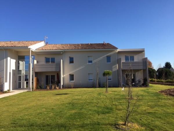 Location appartement 61m saint m dard en jalles for Entretien jardin saint medard en jalles