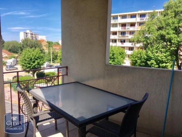 location appartement 30m toulon var de particuliers et professionnels de l 39 immobilier. Black Bedroom Furniture Sets. Home Design Ideas