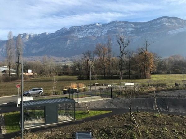 Location Local d'activités / Entrepôt Méry