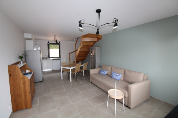 Bordeaux bar. JUDAÏQUE T2 duplex meublé neuf 51 m² - Bordeaux (33000)-1